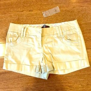 Aqua khaki shorts with tag